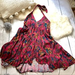 Petite Halter Neck Deep V Paisley Full Mini Dress